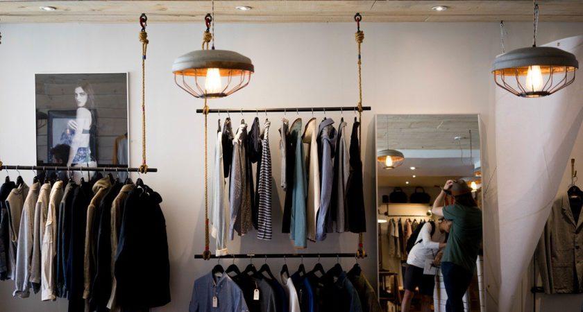 SURPRISE PARIS, vente de vêtements
